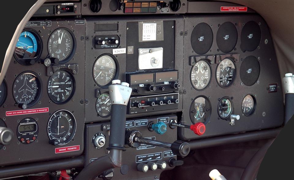 Aeroplano Cabina Di Pilotaggio, Aeromobili